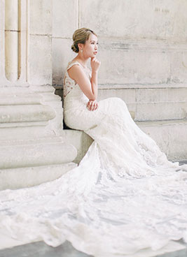 bride poses during london shoot