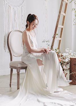 bride poses in pre wedding studio