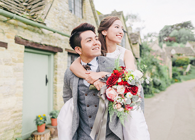 couple in the costwolds uk